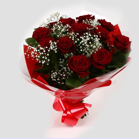 12 Red Roses With Gypsophila Free Delivery