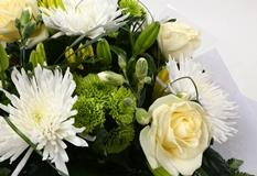 Golden Cream Bouquet - FREE DELIVERY
