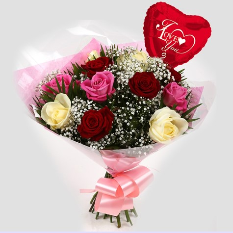 Love You Balloon & Sweet Melody Roses Bouquet-FREE DELIVERY
