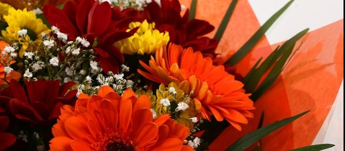 Red Fall Bouquet-Clear Savings-Clear Prices-FREE DELIVERY