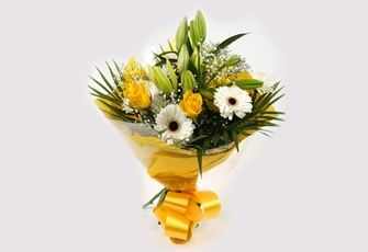 Lemon & White Bouquet-Clear Savings-Clear Prices-Compare The Quaility