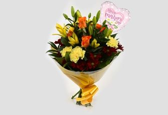 Mothers Day Balloon & Red Sunshine Bouquet - FREE DELIVERY
