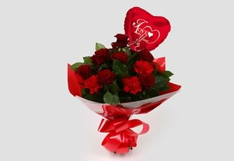 Love You Balloon & Heart Special bouquet-FREE DELIVERY